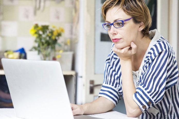 Jak sobie radzić z molestowaniem w miejscu pracy?